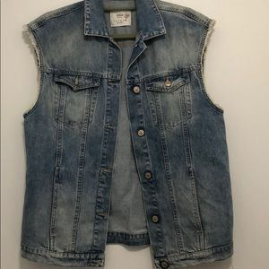 Zara size small denim vest